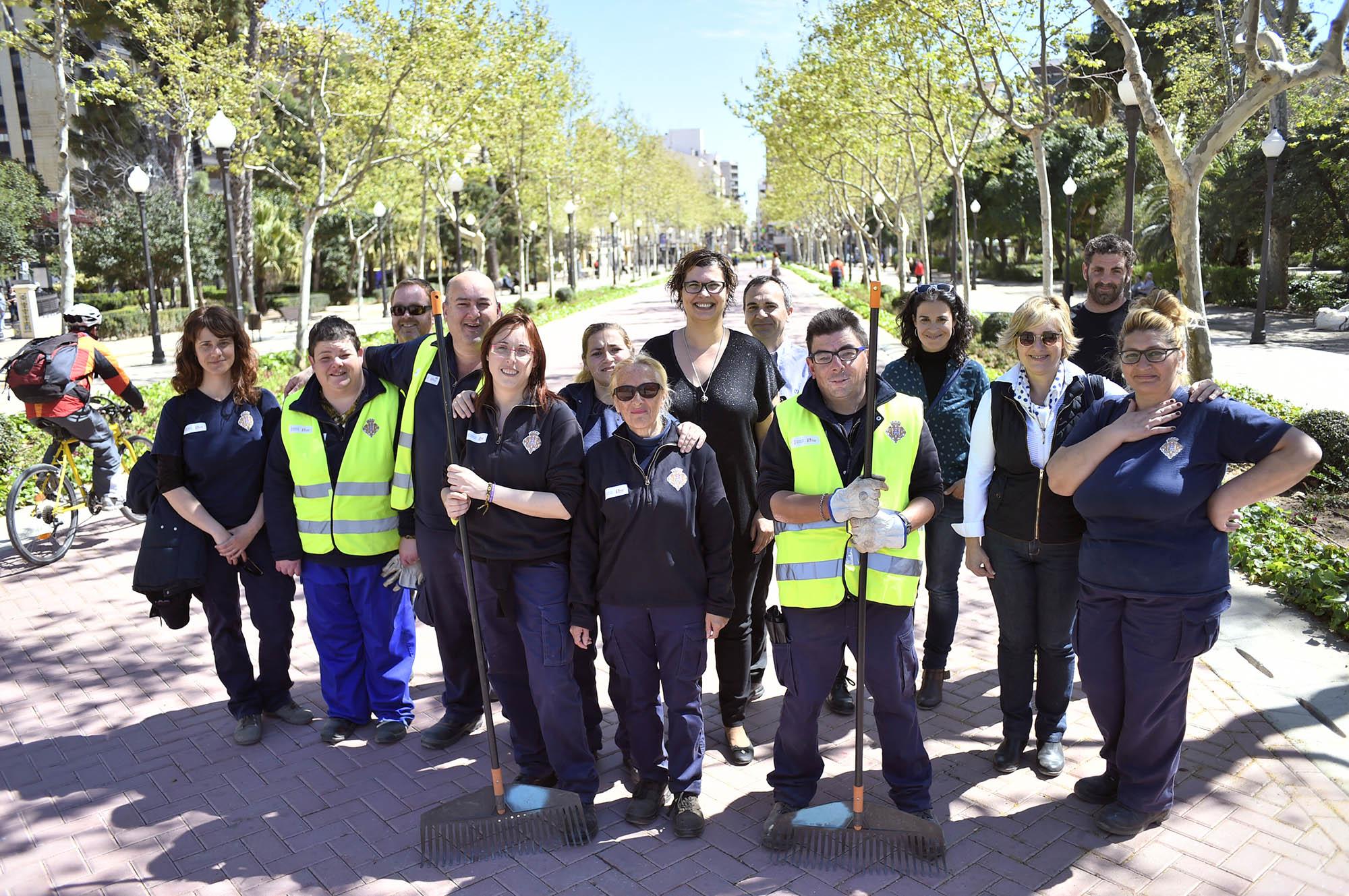Castell n clausura un curso de jardiner a con alumnado con - Trabajo jardineria madrid ...